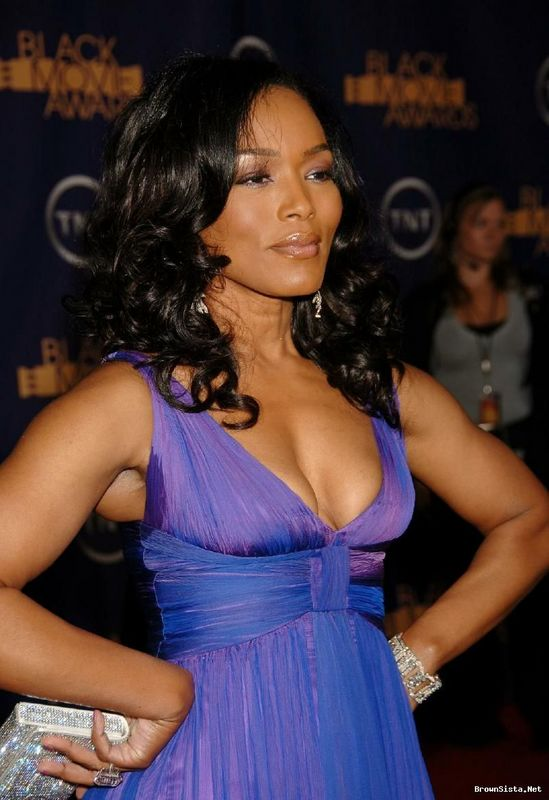 Angela Bassett nominée aux NAACP Image Awards 13078_10
