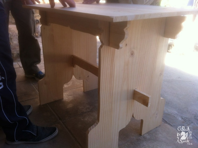 mesa medieval 910