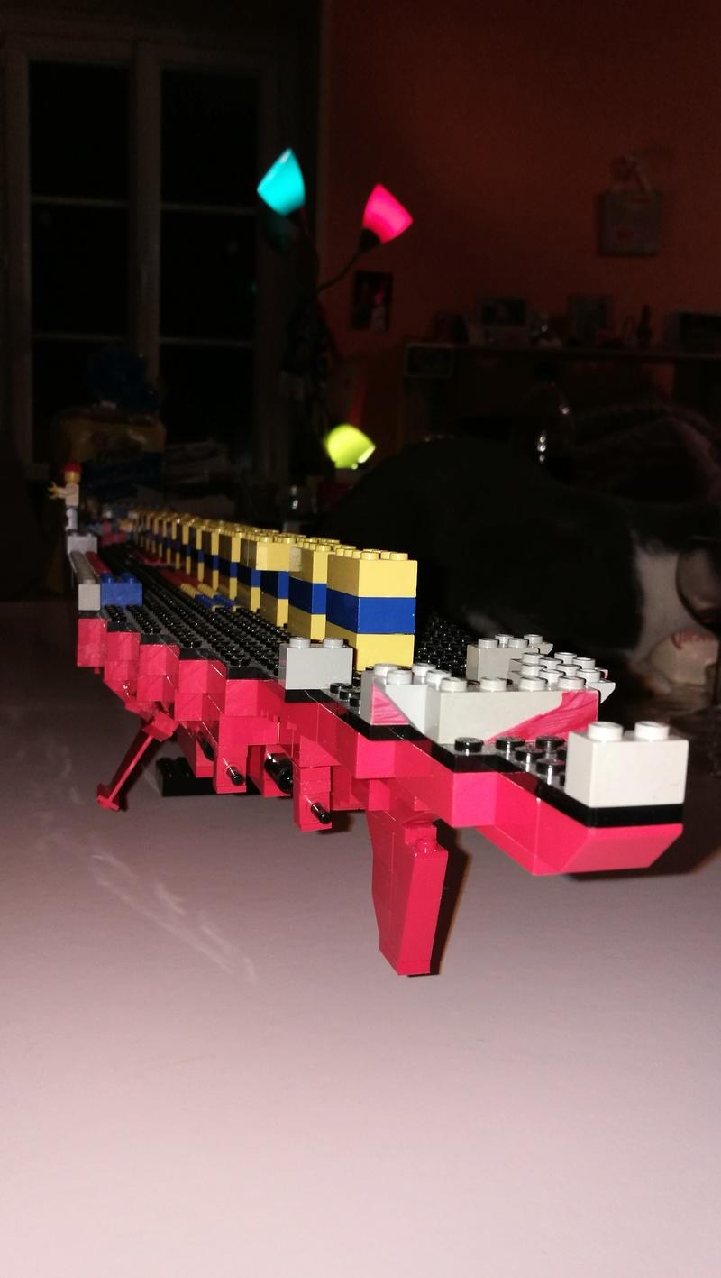Porte avions en Lego CV05 Panthere 01010