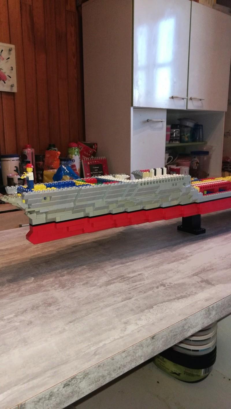 Porte avions en Lego CV05 Panthere 01210