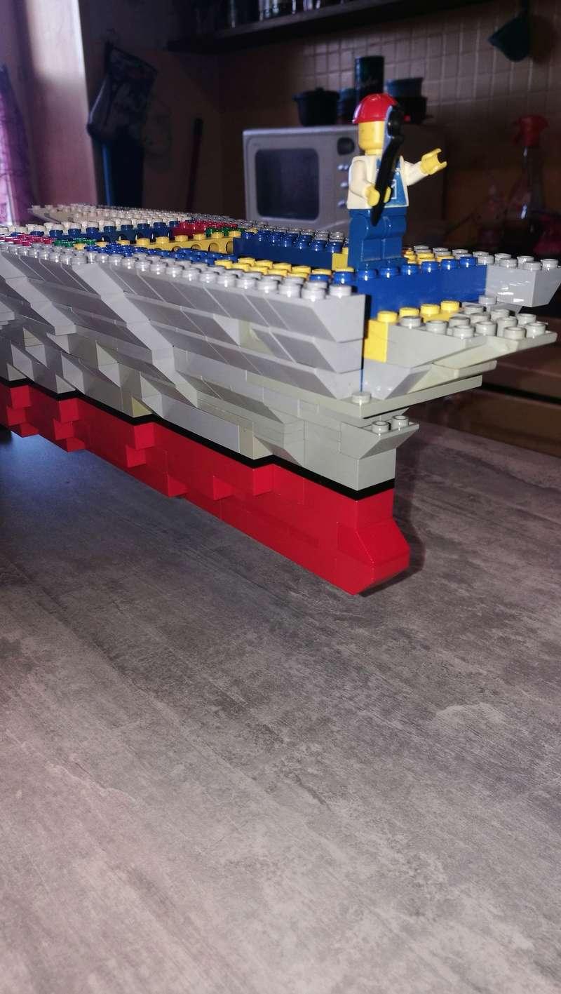 Porte avions en Lego CV05 Panthere 01310