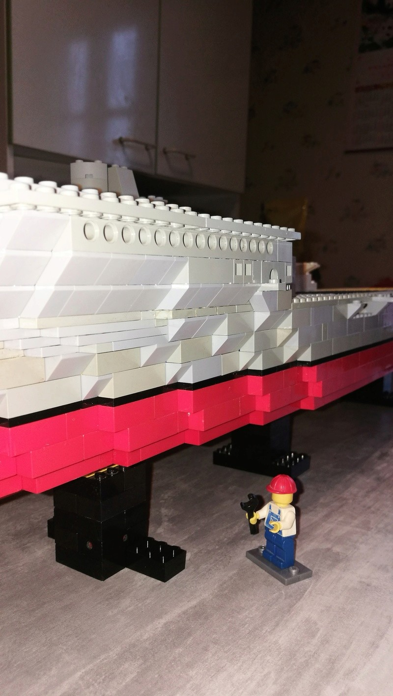 Porte avions en Lego CV05 Panthere 01610