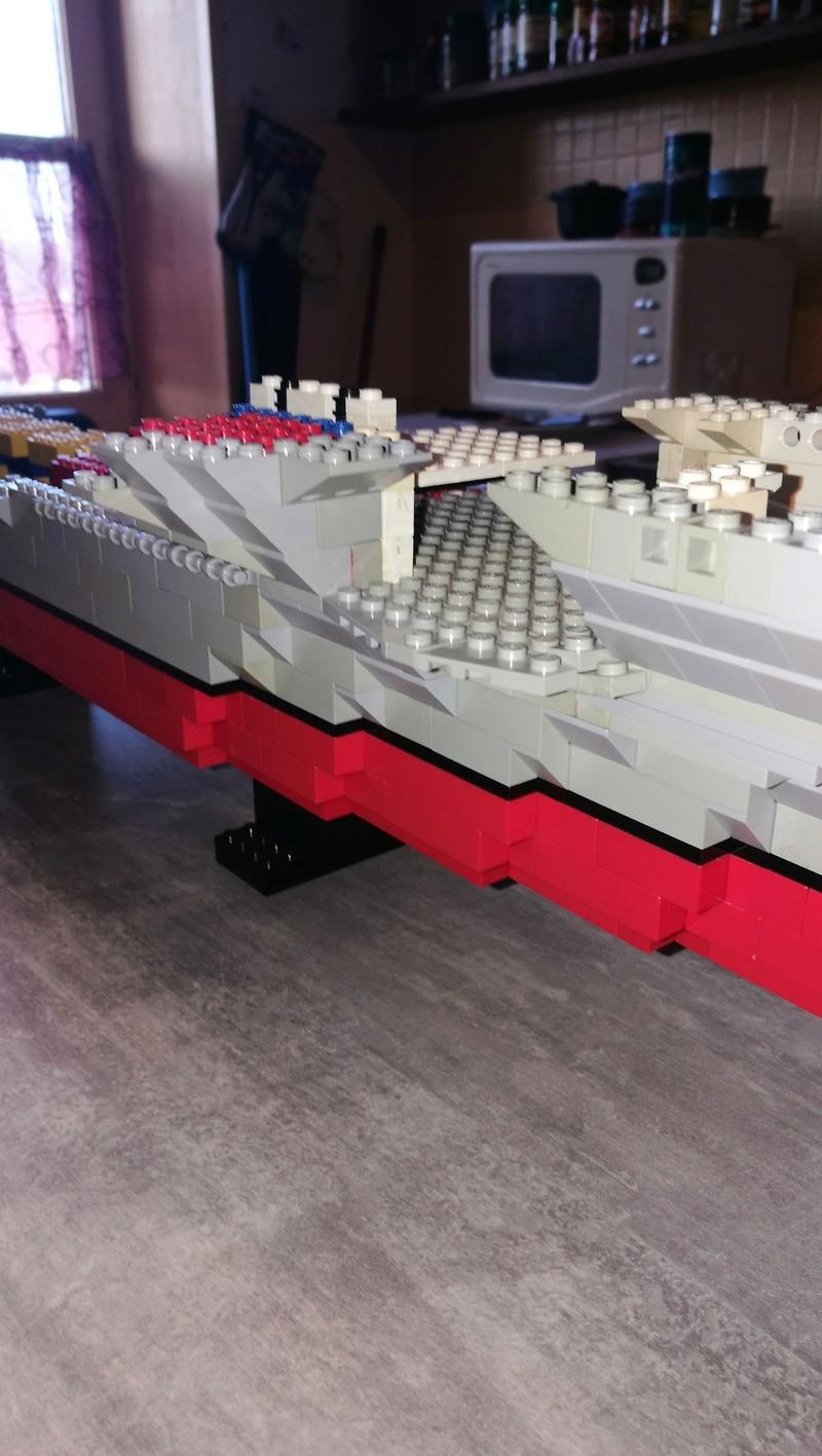 Porte avions en Lego CV05 Panthere 01810