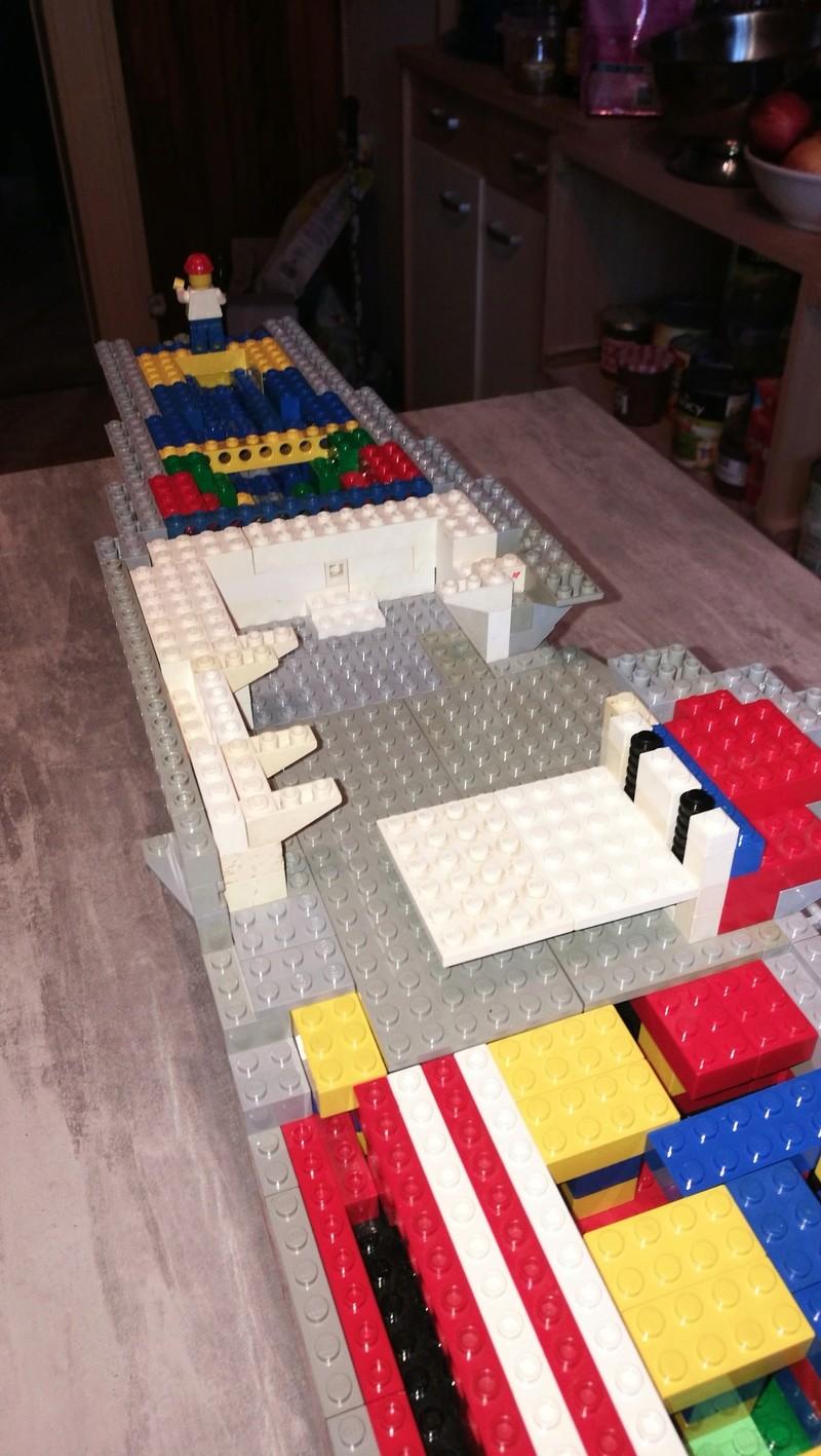 Porte avions en Lego CV05 Panthere 02010