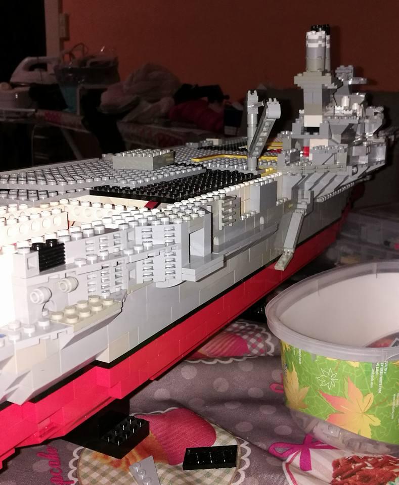 Porte avions en Lego CV05 Panthere 03810