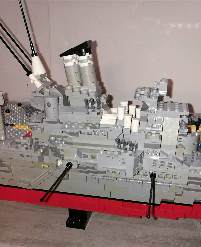 Porte avions en Lego CV05 Panthere 04010