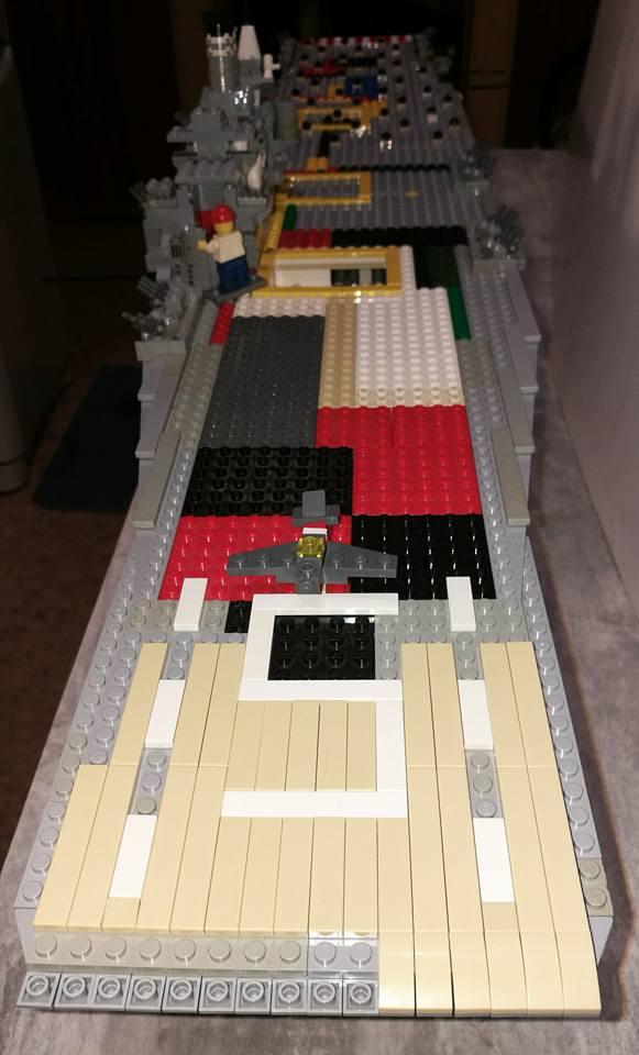 Porte avions en Lego CV05 Panthere 04310