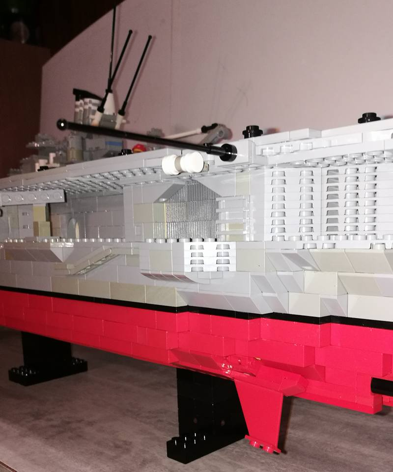 Porte avions en Lego CV05 Panthere 04410