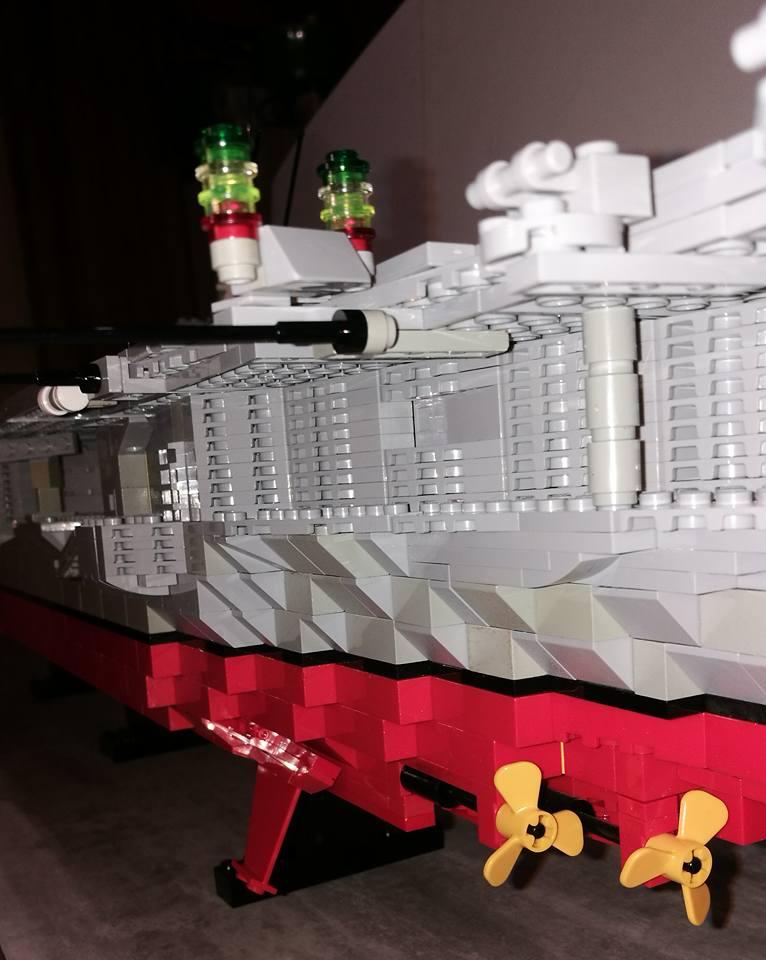 Porte avions en Lego CV05 Panthere 04510