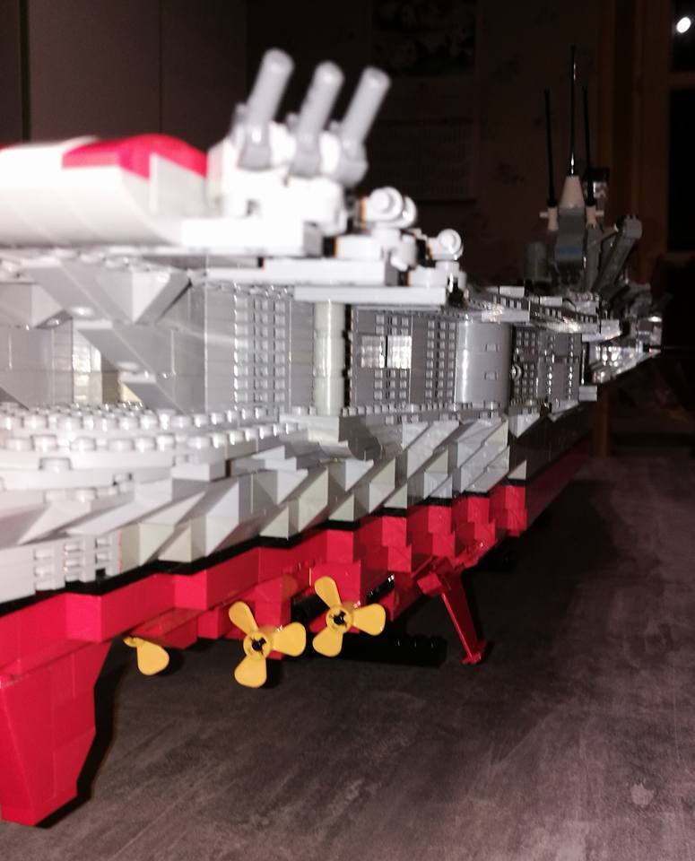 Porte avions en Lego CV05 Panthere 04710