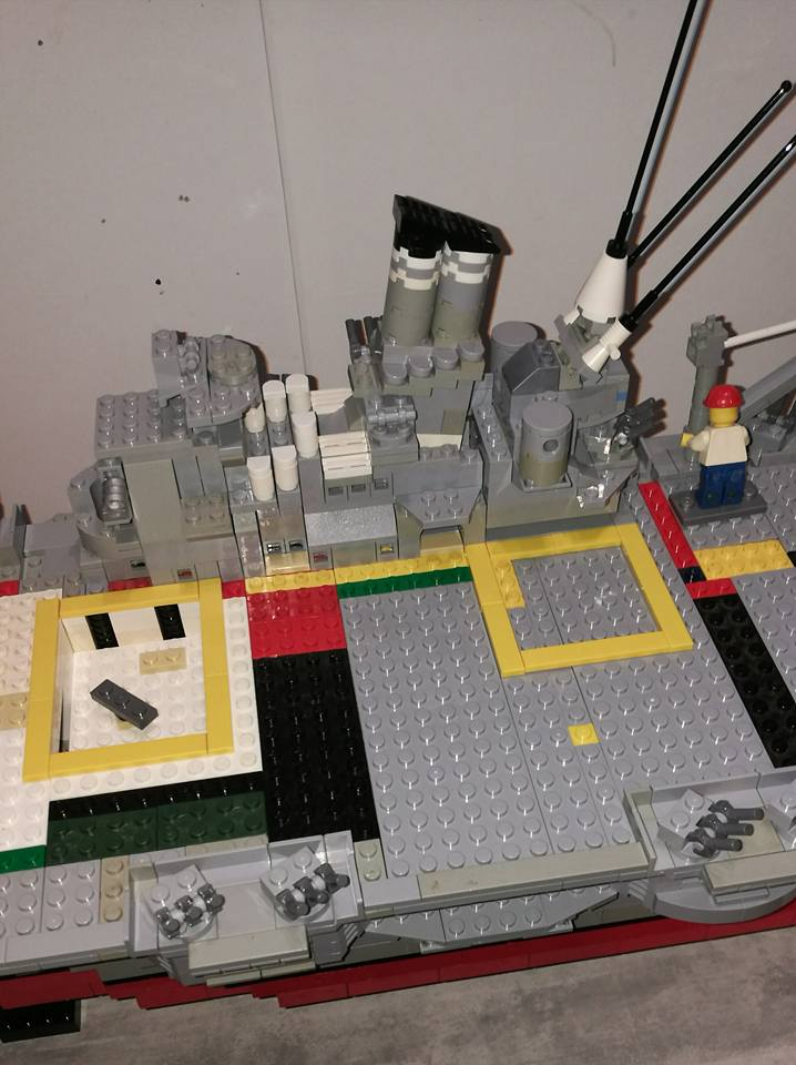 Porte avions en Lego CV05 Panthere 04910