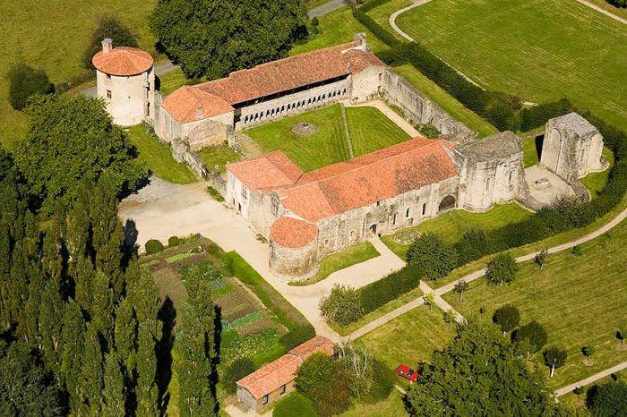 Abbaye de la Grainetière [Vendée] Abbaye10