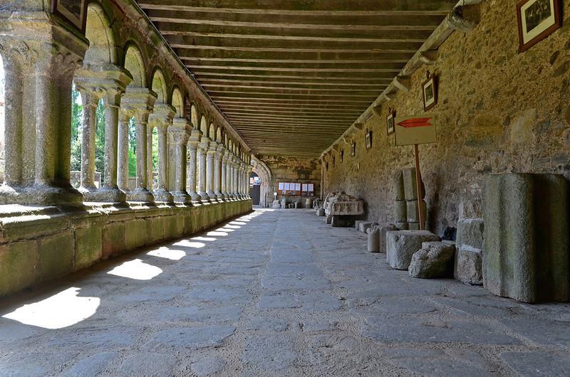 Abbaye de la Grainetière [Vendée] Cloitr10