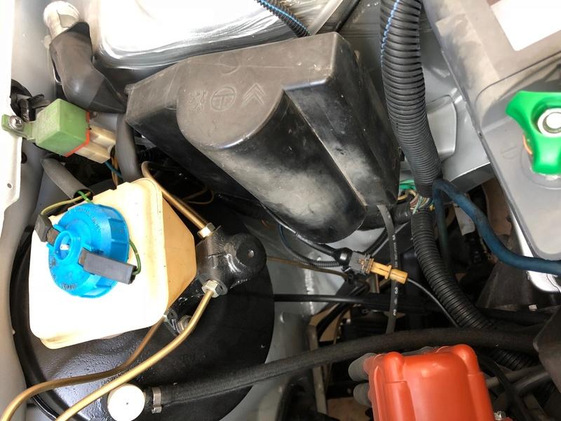 Passage faisceau moteur 205 GTI 1.9 210