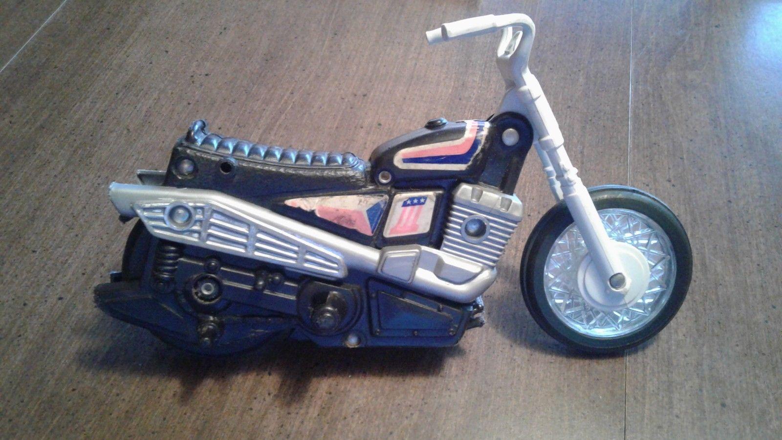 Jouets, jeux anciens et miniatures sur le monde Biker - Page 23 199_9710