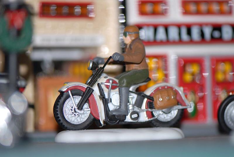 Jouets, jeux anciens et miniatures sur le monde Biker - Page 22 33421212