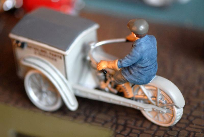 Jouets, jeux anciens et miniatures sur le monde Biker - Page 22 33421511