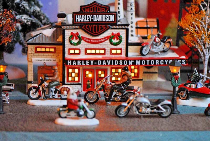 Jouets, jeux anciens et miniatures sur le monde Biker - Page 22 33483110