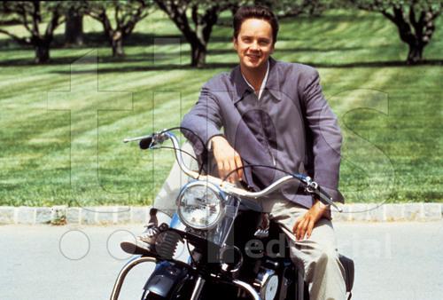 Ils ont posé avec une Harley, uniquement les People Tim_ro10