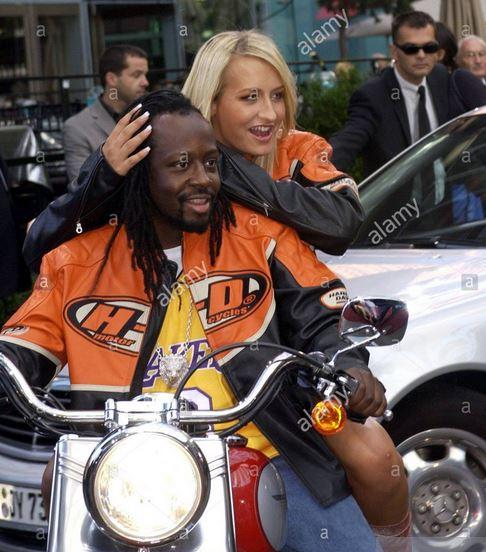 Ils ont posé avec une Harley, uniquement les People - Page 20 Wyclef10