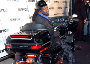 Ils ont posé avec une Harley, uniquement les People - Page 20 Wyclef11