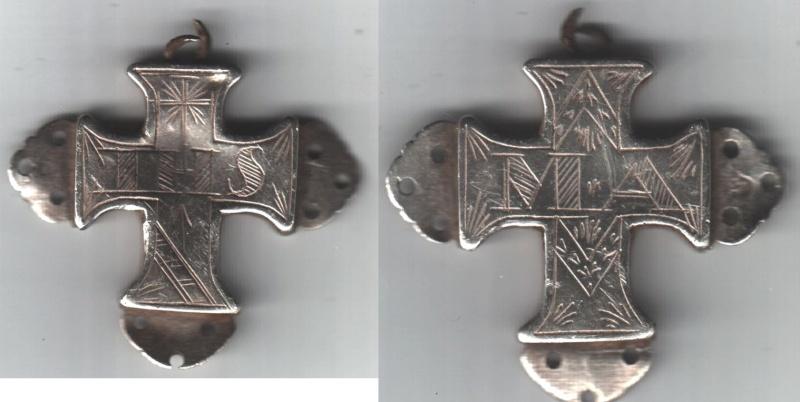 Croix reliquaire trouvée par Ribo05 - Htes-Alpes Aaaihs12