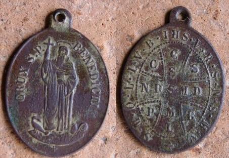 Autre médaille St-Benoît - fin XIXème Med-2913