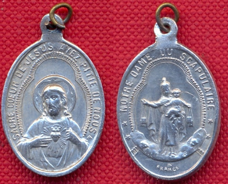 ND-du-Scapulaire - Médaille de dévotion à ND-du-Mont-Carmel - milieu à fin XXème Scann169