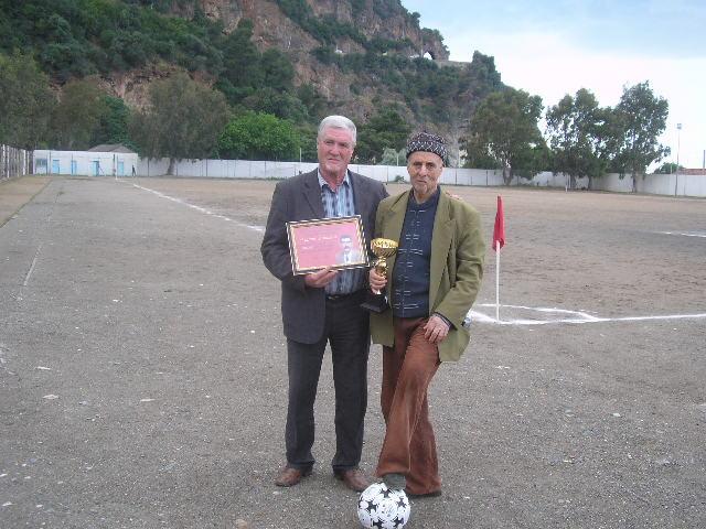 Match Gala à la mémoire de Larabi Sadek (ex-joueur CRBAokas) - Page 5 P1010252