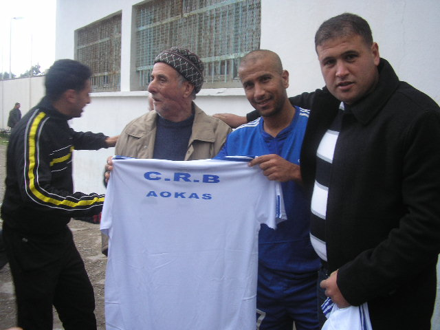 CRBAokas: Hommage à Kandi Amirouche (03/12/2010) P1010274