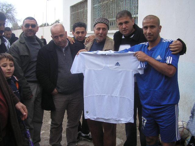 CRBAokas: Hommage à Kandi Amirouche (03/12/2010) P1010276