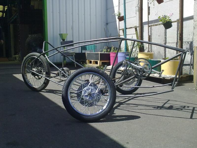 Vélomobile électrique ''heavy metal'' 18062013