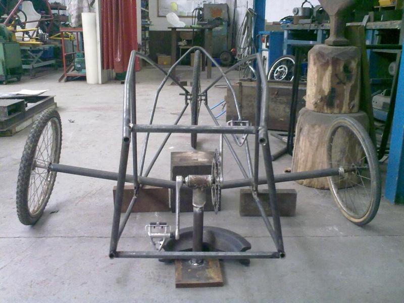 Vélomobile électrique ''heavy metal'' 29042012