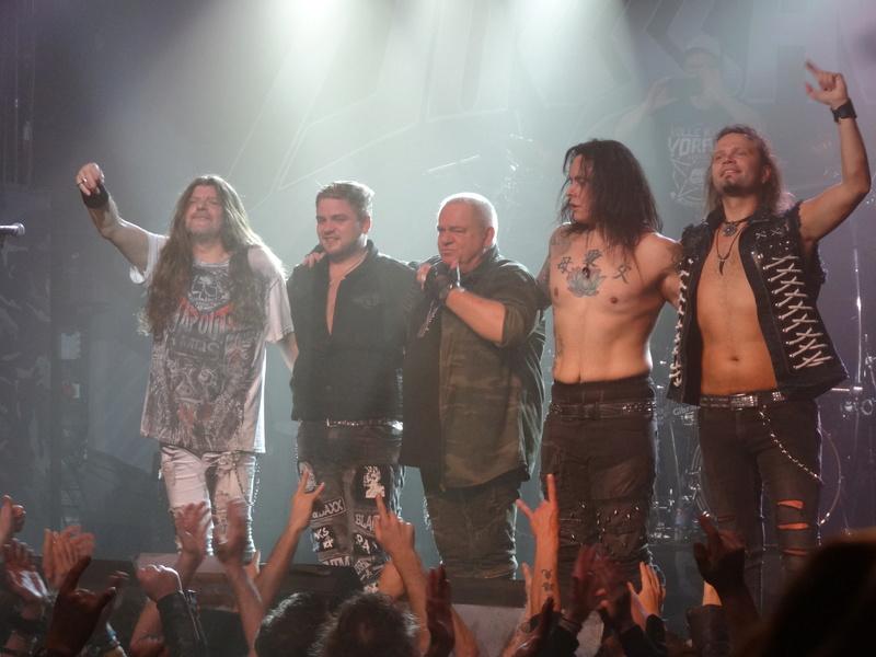 Reviews concerts autres groupes - Page 13 Dsc01213