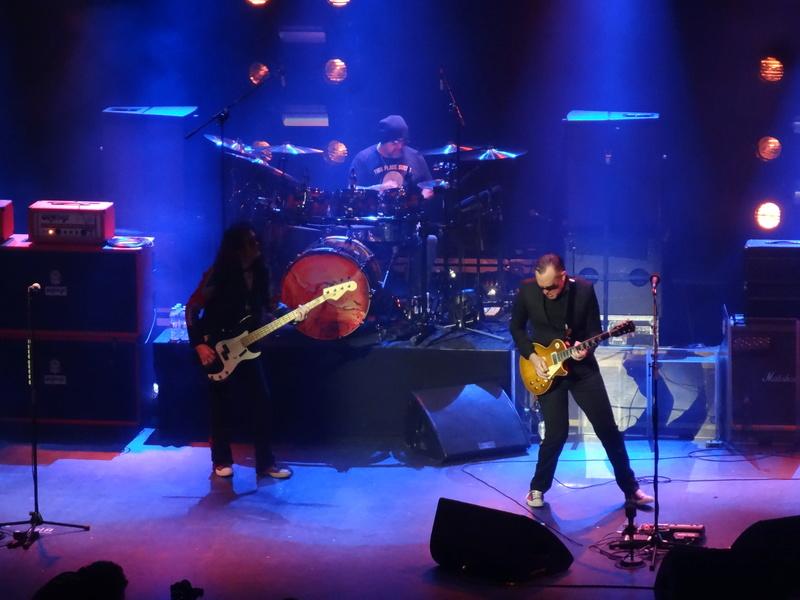 Reviews concerts autres groupes - Page 13 Dsc01418