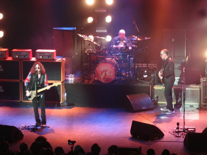 Reviews concerts autres groupes - Page 13 Dsc01424