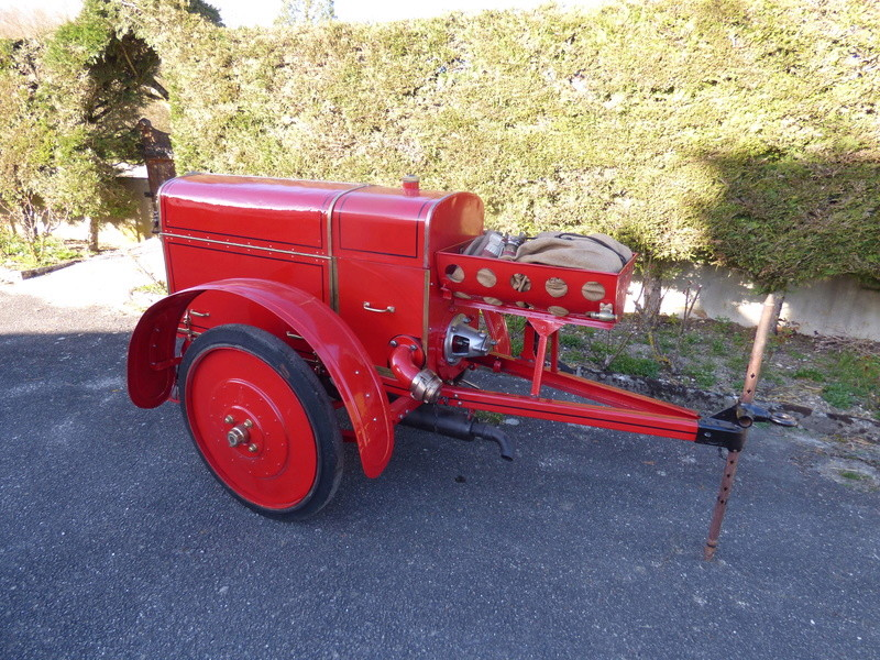 RENAULT - La Motopompe d'incendie Renault  P1010631