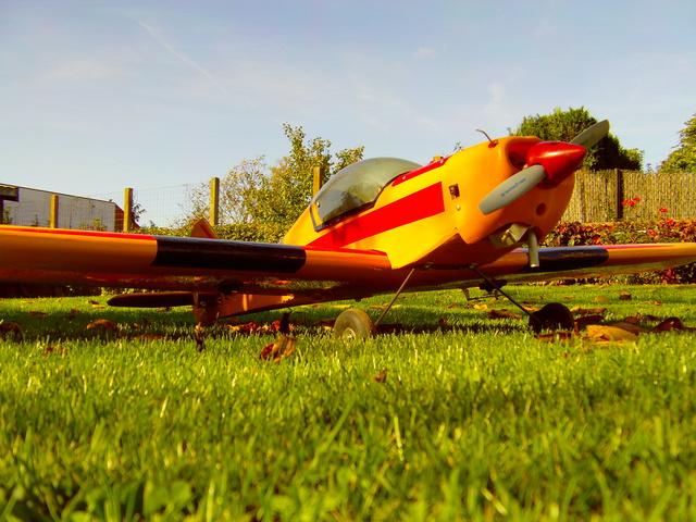 Comment à partir d'une épave fabriquer un petit avion ? Imag0037