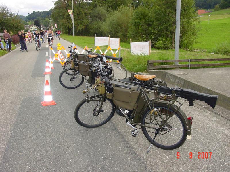 Les vélos militaires suisses 26427710