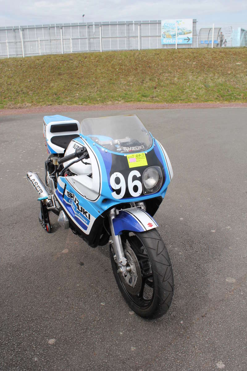 "PROJET MICHEL / PASCAL   1100 GSX ""of course"" - Page 18 Img_5022"