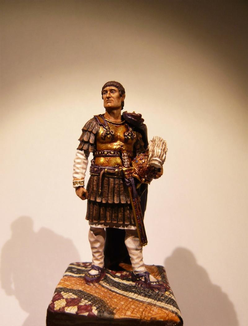 Vitrine de Trajan. Officier Républicain, Guerre d'Espagne 1937. P1320023