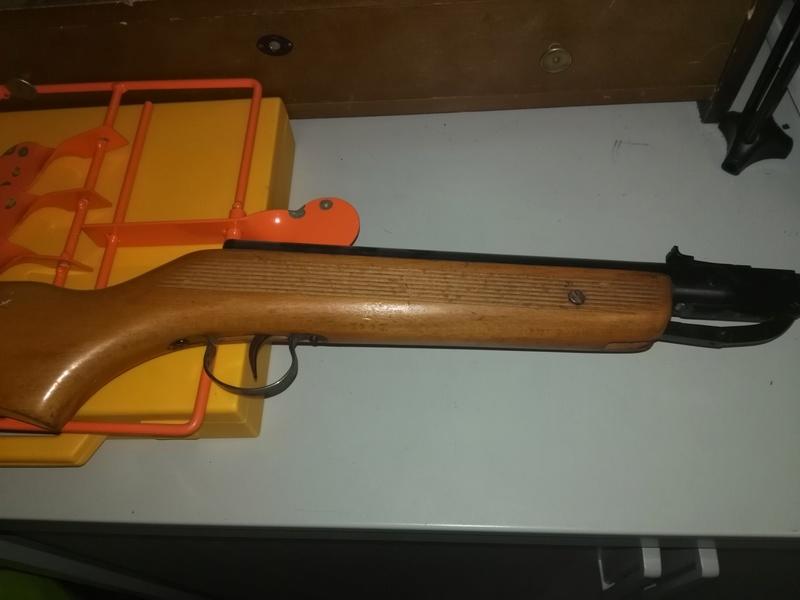 aide pour une identification de carabine Img_2012