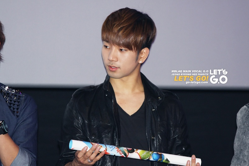 [09.04] MBLAQ pour Gnomeo & Juliet Movie Premiere 13021811