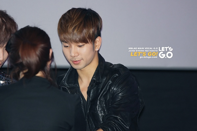 [09.04] MBLAQ pour Gnomeo & Juliet Movie Premiere 13021812