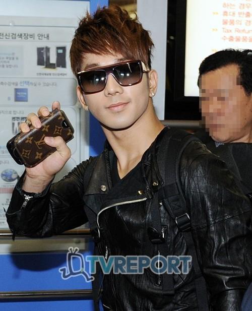 MBLAQ @ Airport departing for Bangkok Airp810
