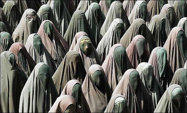Absurditete fetare Burka_10