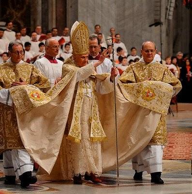 Absurditete fetare Pope_b10