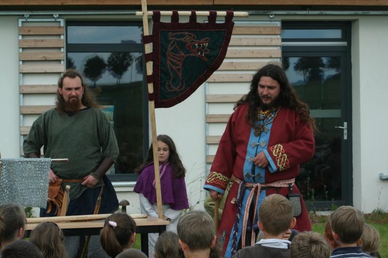 Représentation à l'école Paul Emile Victor (Baisieux) - juin 2009 Img_2011