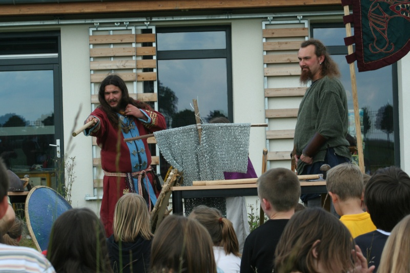 Représentation à l'école Paul Emile Victor (Baisieux) - juin 2009 Img_2014
