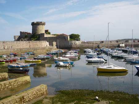 La côte et le pays Basque Fort-d10